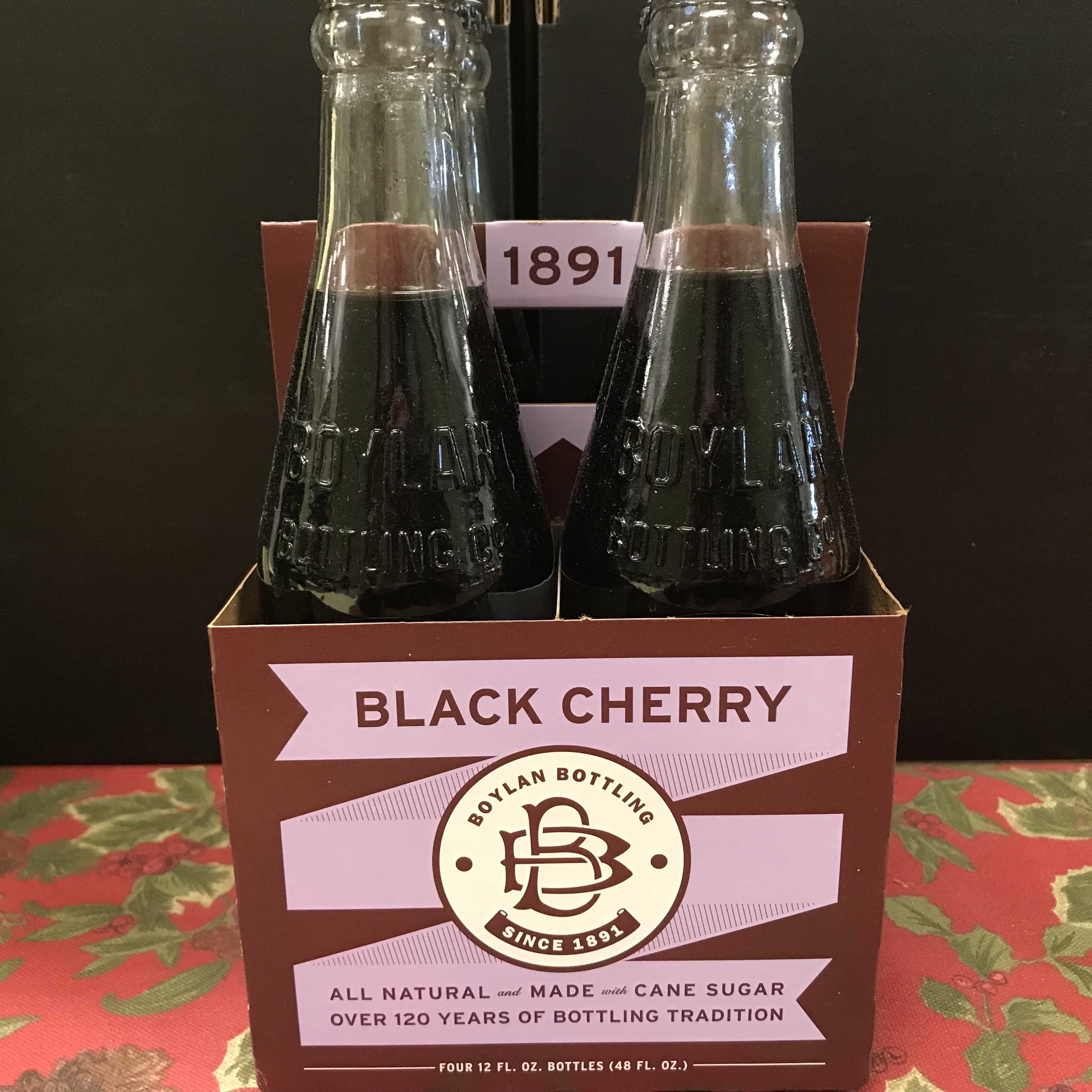 Boylan Bottling Black Cherry Soda (non-alcoholic) 4 x 12 oz