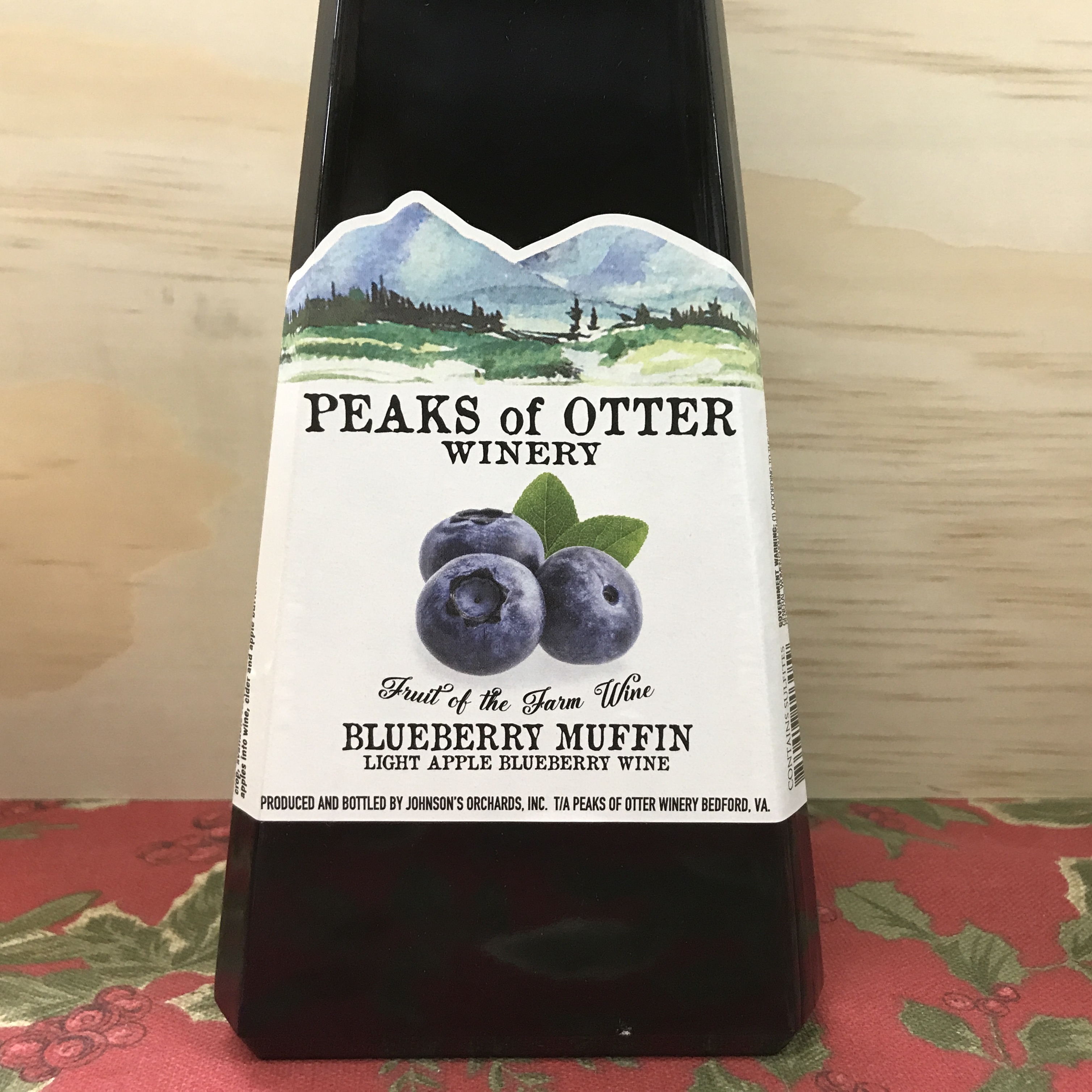 Peaks of Otter Blueberry Muffin Apple Blueberry wine