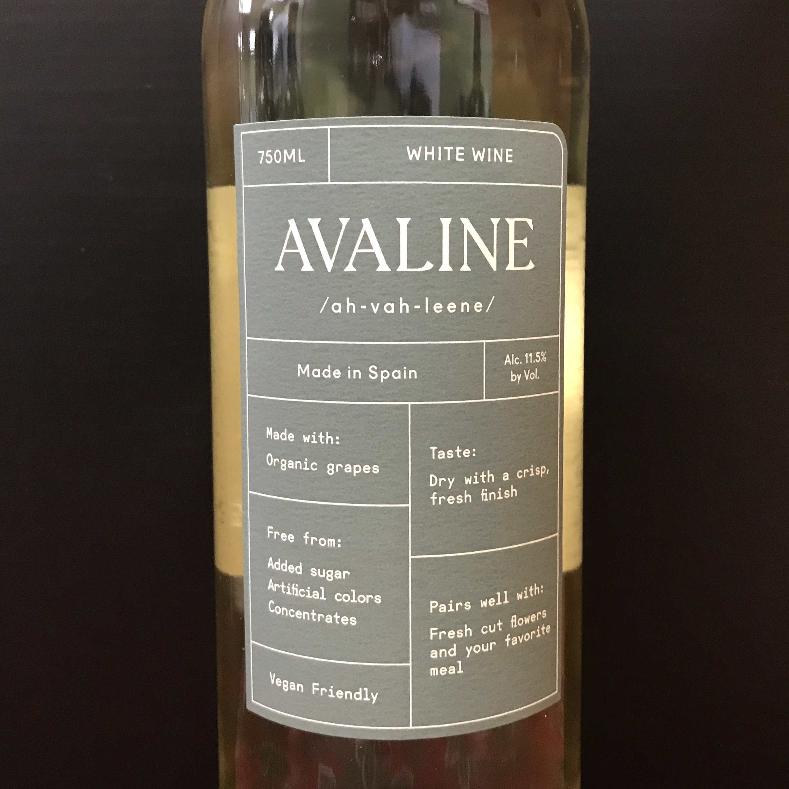 Avaline White Wine Organic grapes